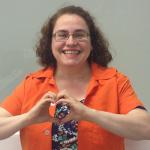 professor-lucia-martins-ingles-hexag-vestibulares