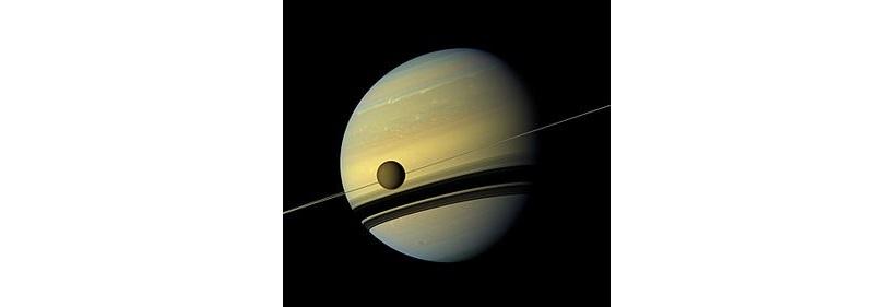 Saturno e Lua Titã